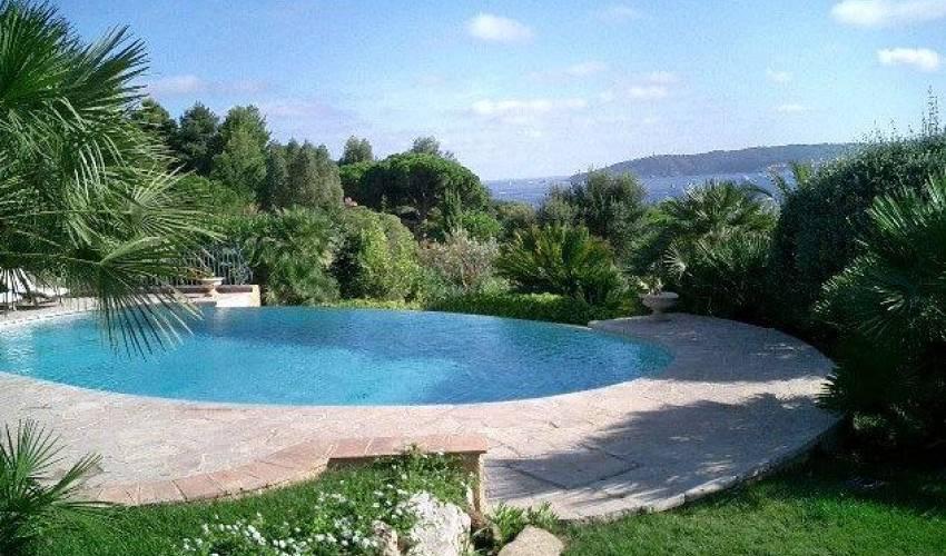 Villa 1054 in France Main Image