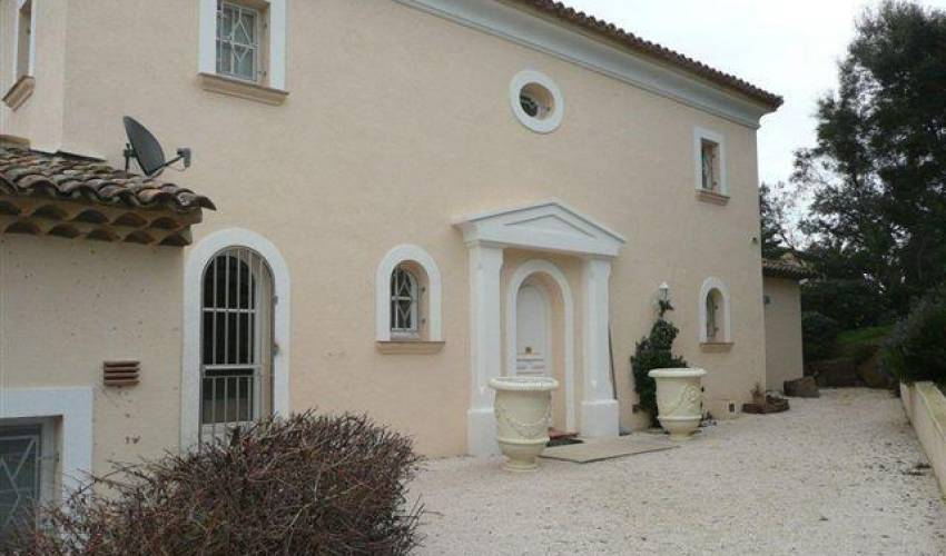 Villa 1834 in France Main Image