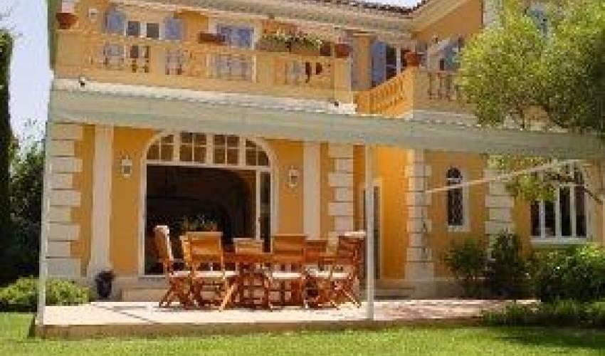 Villa 1837 in France Main Image