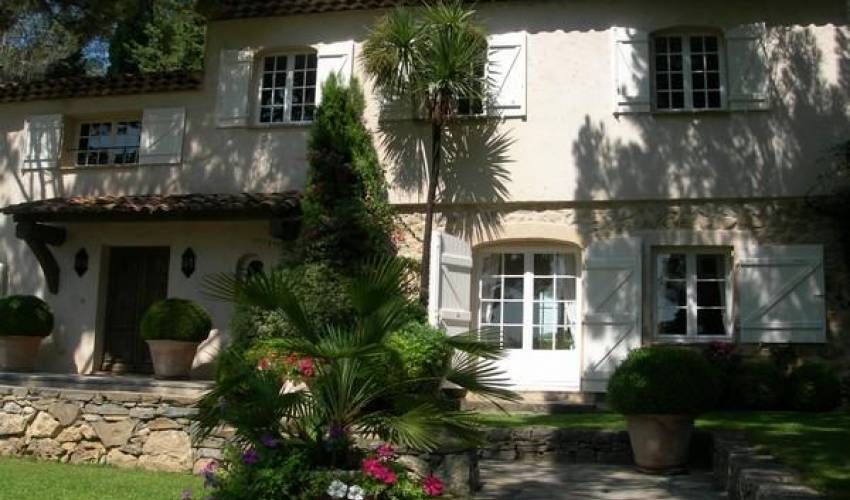 Villa 1846 in France Main Image