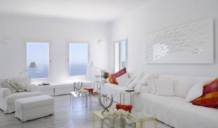 Villa 1425 in Greece Main Image