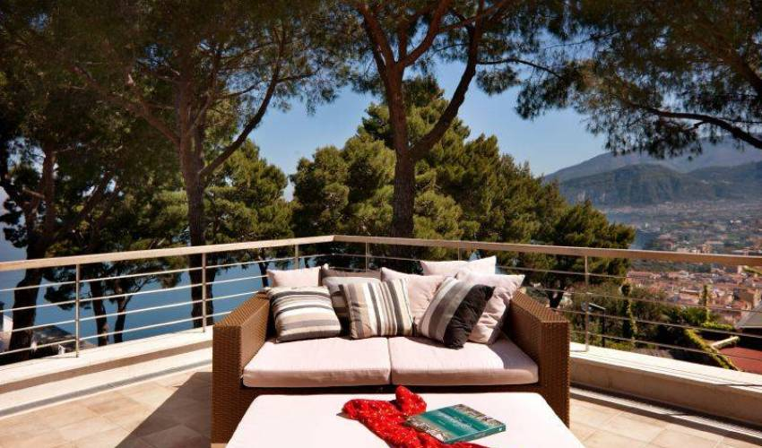 Villa 9120 in Italy Main Image