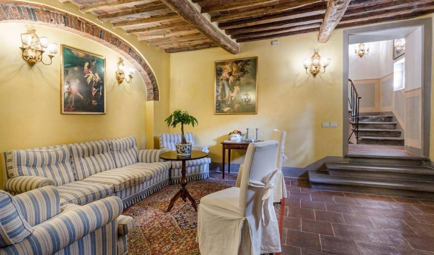 Villa 994 in Italy Main Image