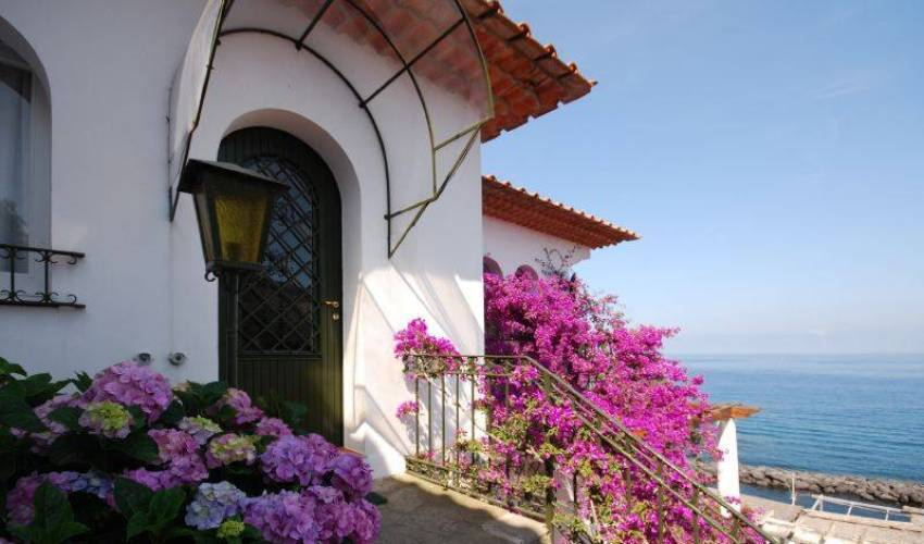 Villa 9179 in Italy Main Image