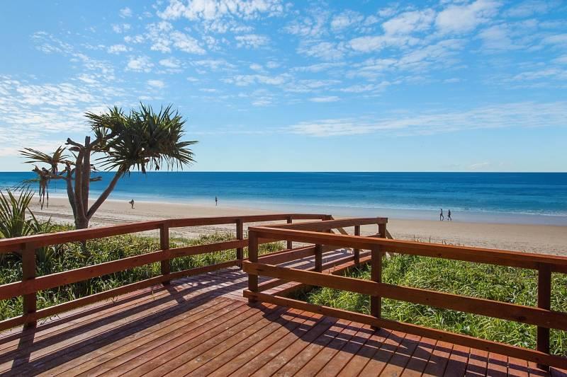 5 bedroom beachfront villa in mermaid beach, gold coast