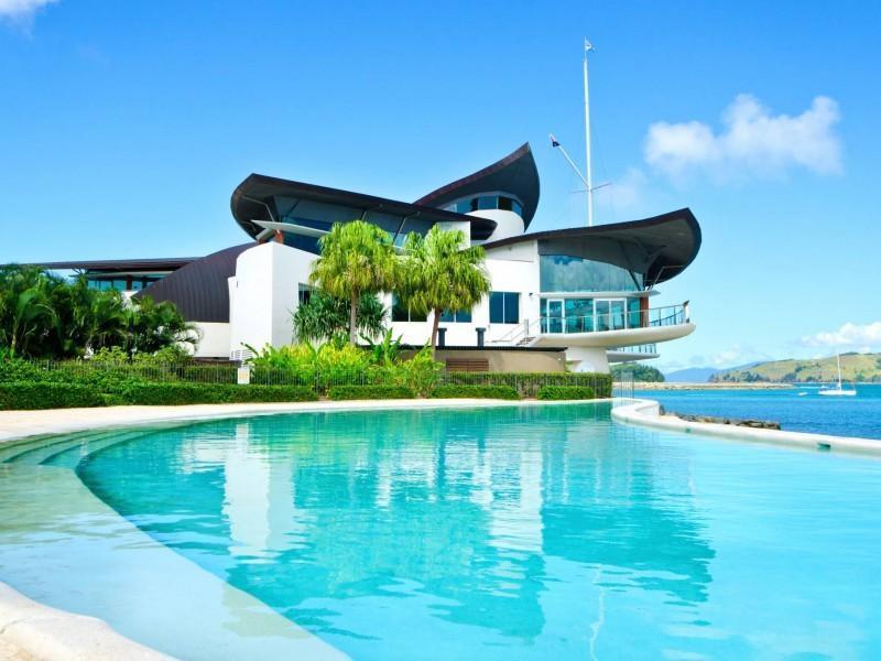 Queensland Villa 5612