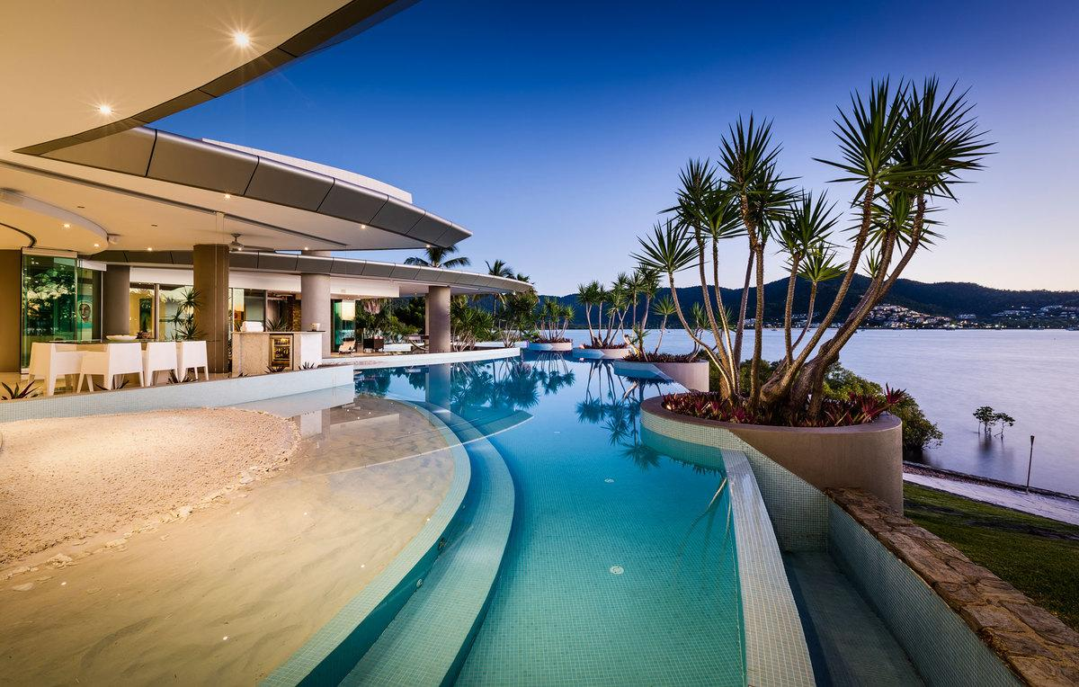 Queensland Villa 5681