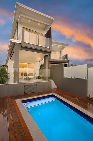 Queensland Villa 5906