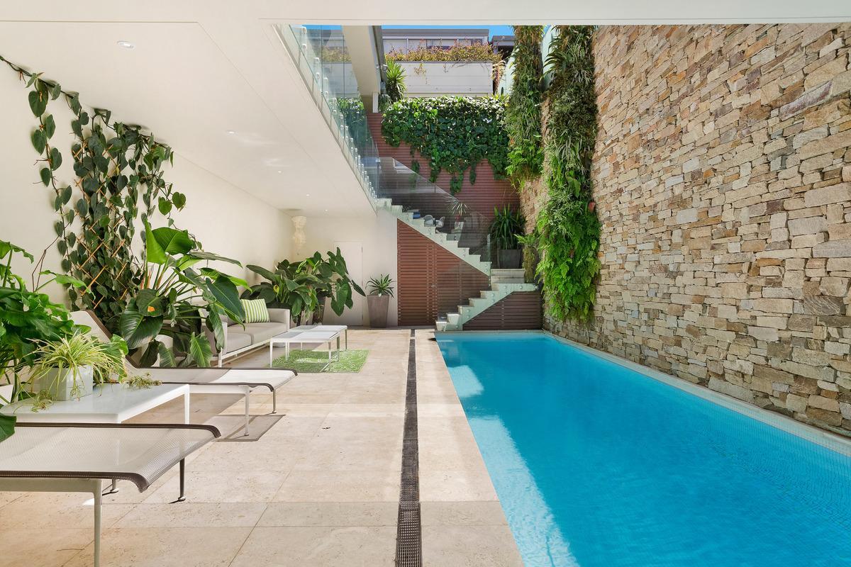 Sydney Villa 5812