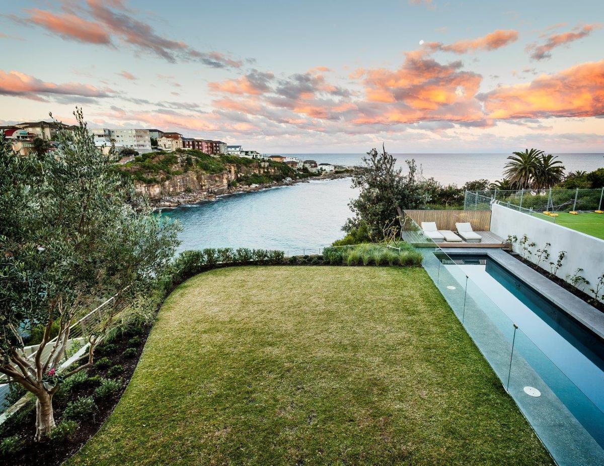 Sydney Villa 5814