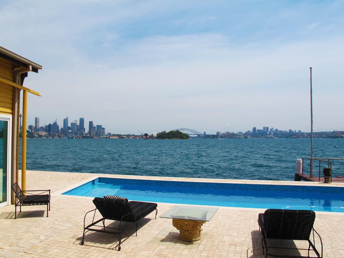 Sydney Villa 5817