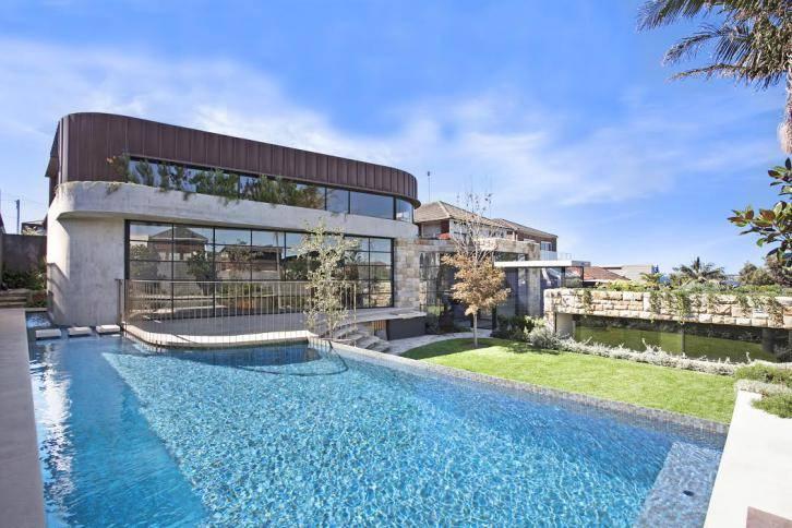 Sydney Villa 5935