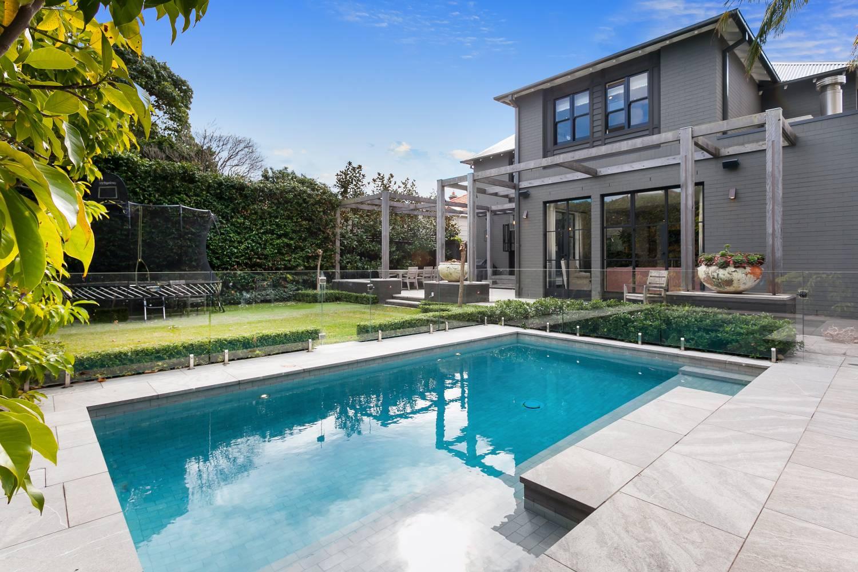 Sydney Villa 5824