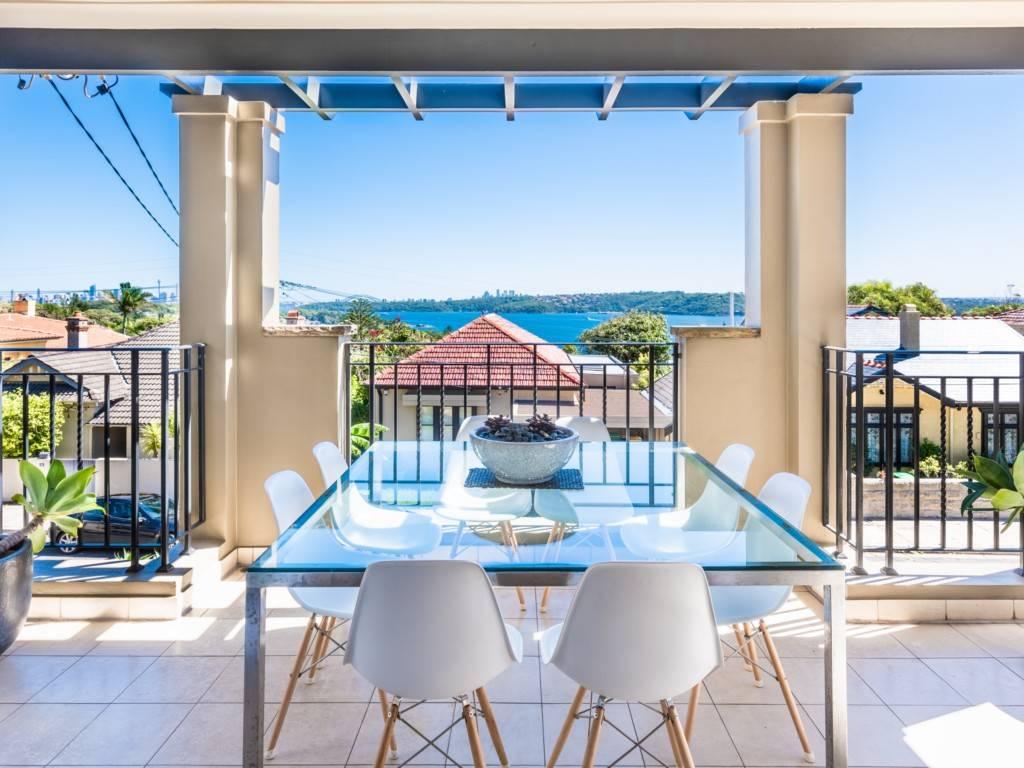 Sydney Villa 5883