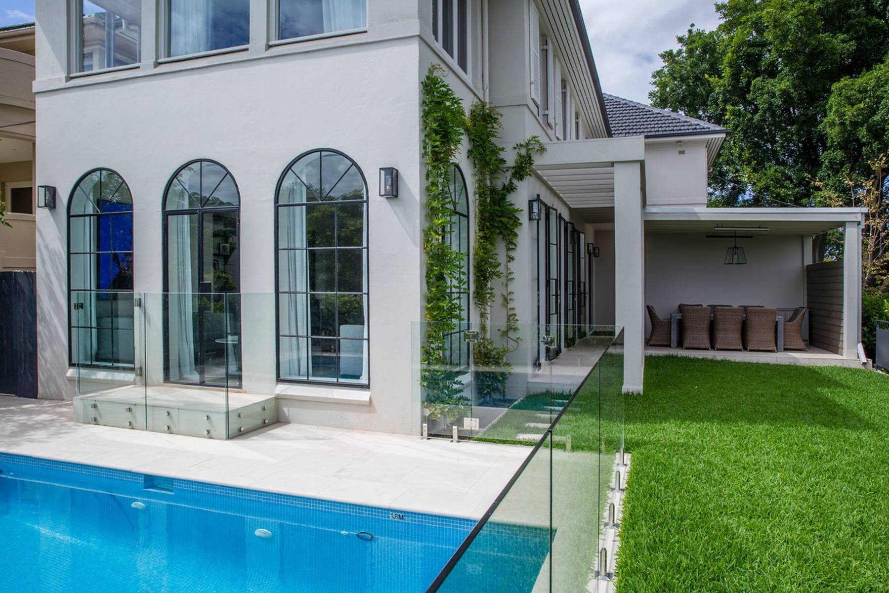 Sydney Villa 5482
