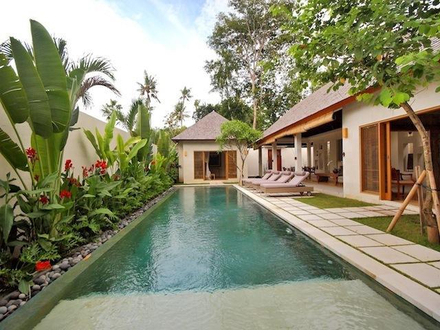 Batubelig Villa 3548