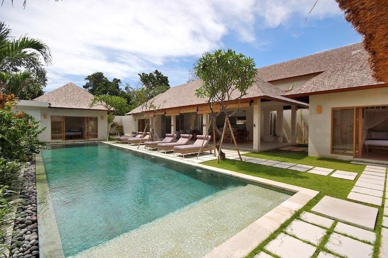 Batubelig Villa 3632