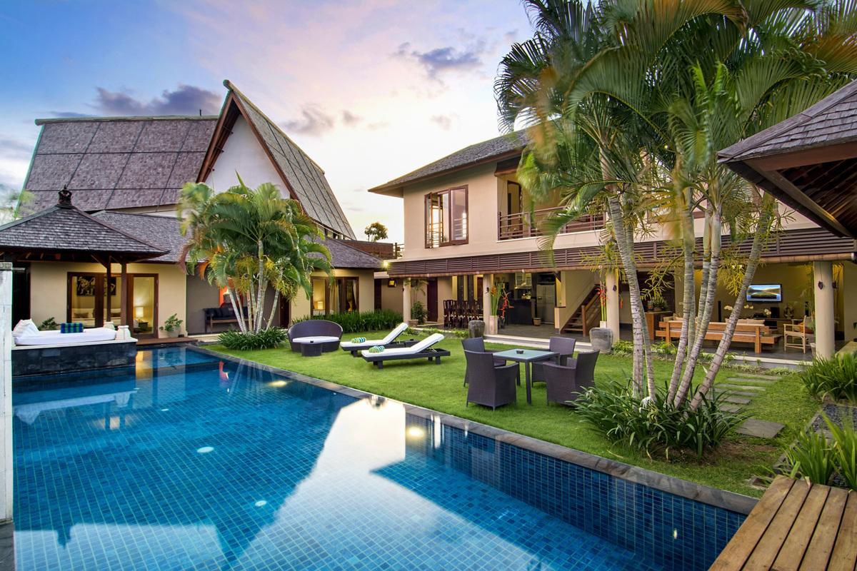 Arts And Crafts House Plans Villa 3712 In Seminyak Bali Villagetaways Com