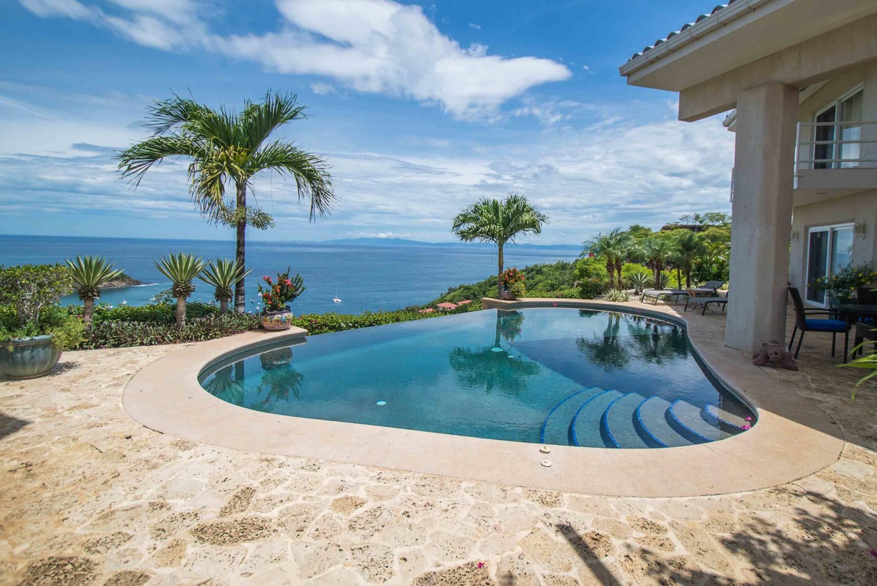 Las olas villa rentals in costa rica luxury vacation for Villa rentals in costa rica