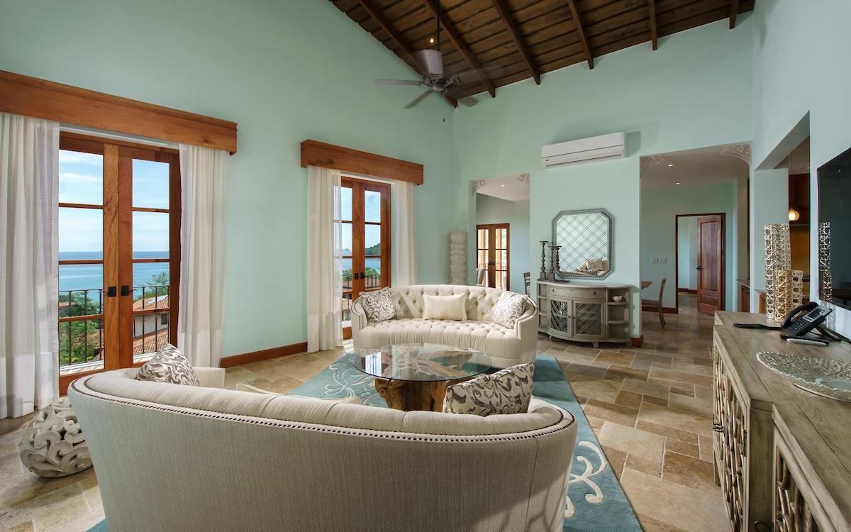 Las Olas Villa 1615