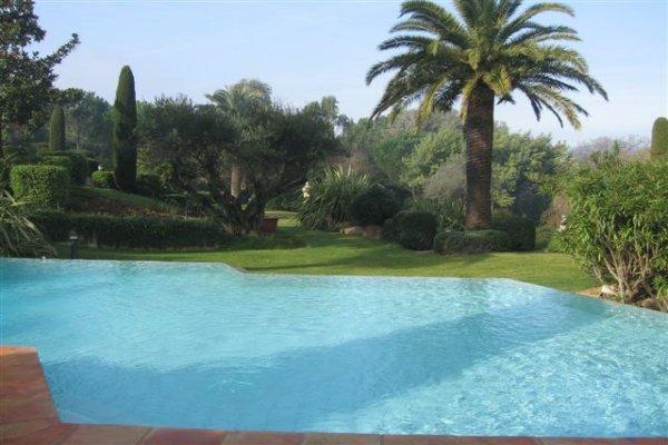 St. Tropez Villa 1069