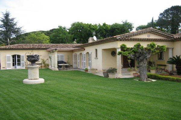 St. Tropez Villa 1818