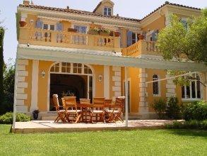 St. Tropez Villa 1826