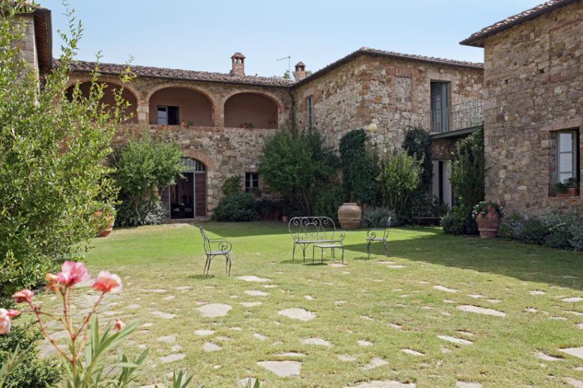 Villa 976 in Italy Main Image