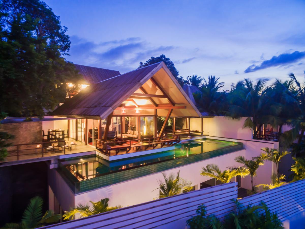 4 Bedrooms Luxury Phuket Villa With Pool At Surin Beach