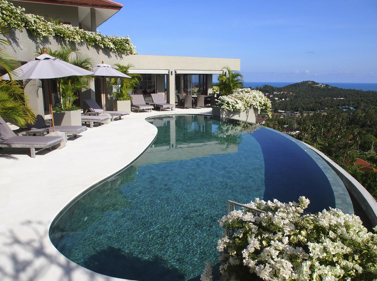 5 bedroom luxury villa with pool choeng mon koh samui for Koi pool villa koh tao